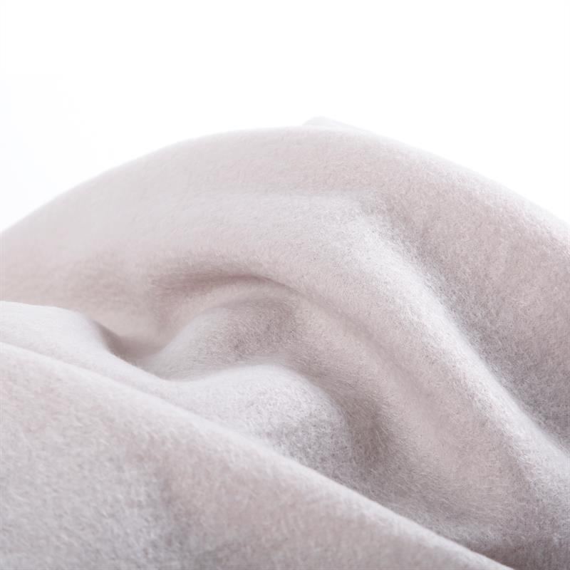 Polar-Fleece-Decke-Silber-130x170cm-005.jpg
