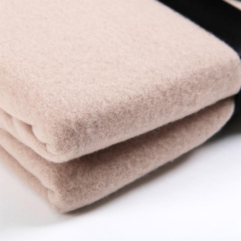 Polar-Fleece-Decke-Taupe-Beige-220x240cm-002.jpg